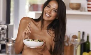 Ανοίγει εστιατόριο γυμνιστών: 30.000 άτομα στη λίστα αναμονής