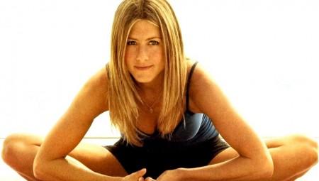 Yogalosophy: Οι αγαπημένες ασκήσεις yoga της Jennifer Aniston