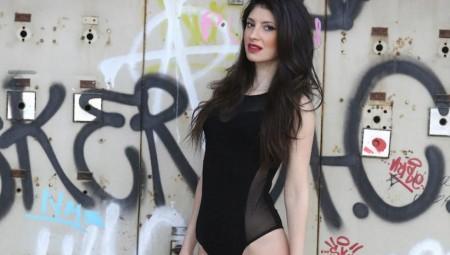 H Μαρία Ηλέκτρα Αδραχτά ποζάρει με εσώρουχα