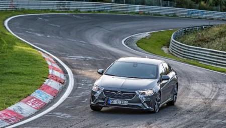 Το νέο Opel Insignia GSi κατακτά το Nürburgring Nordschleife