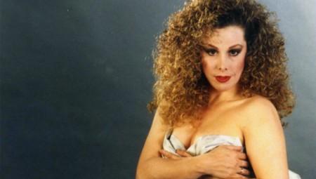 Ισμήνη Καλέση: Από το Playboy άνοιξα βενζινάδικο