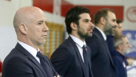 «Χαρούμενοι παίκτες, επιτελείο, σύλλογος και πρόεδρος»