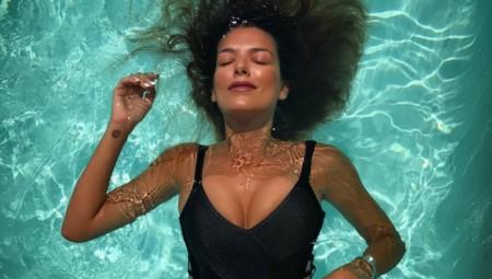 Νικολέτα Ράλλη: Σαν το μπούστο της δεν υπάρχει
