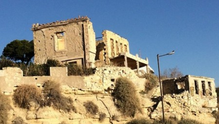 Δείτε το στοιχειωμένο σπίτι του Πειραιά