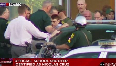 Σοκ από τη σφαγή σε σχολείο στη Φλόριντα: Τουλάχιστον 17 νεκροί και δεκάδες τραυματίες