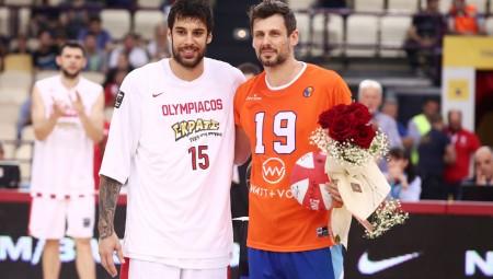 Ο Νίκος Μπάρλος ευχαρίστησε τον Ολυμπιακό και τον Πρίντεζη (Pic)