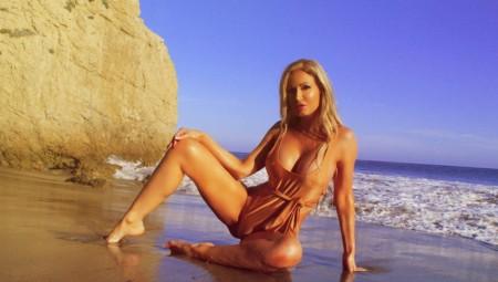 Ana Braga: H Βραζιλιάνα playmate με υπέροχο κορμί