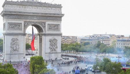 Τρέλα... διαρκείας στο Παρίσι