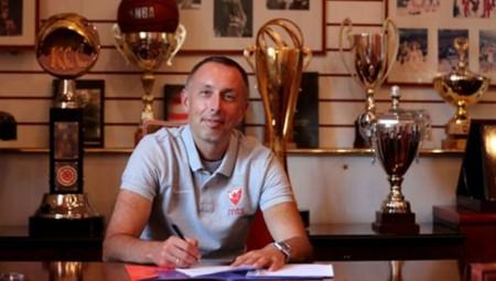 Υπέγραψε στον Ερυθρό Αστέρα ο Μίλαν Τόμιτς!