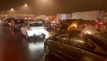 Διεκόπη η κυκλοφορία στην Ε.Ο. Αθηνών-Κορίνθου
