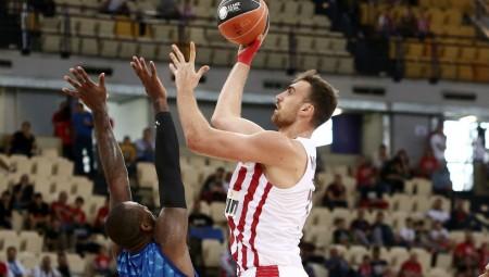 Ρεκόρ πόντων με τον Ολυμπιακό ο Μιλουτίνοφ!