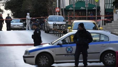 Έκρηξη στο Κολωνάκι - Δύο τραυματίες!