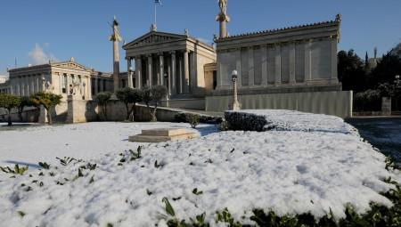 Στα «λευκά» η Αθήνα (pics)