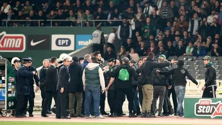 Πρωτεργάτης στην επίθεση στον πάγκο του Ολυμπιακού, υπάλληλος της «πράσινης» ΠΑΕ! (vid)