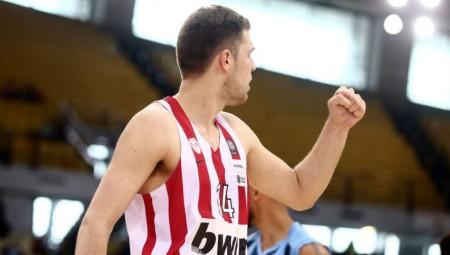 Ρεκόρ καριέρας ο Βεζένκοφ σε πόντους με τον Ολυμπιακό