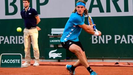 Στους «16» του Roland Garros ο Τσιτσιπάς!