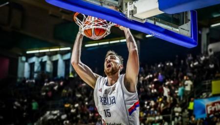 Θετικός Μιλουτίνοφ σε μια ακόμα νίκη της Σερβίας!