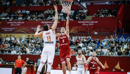 Στους «4» η Ισπανία, πέρασε το εμπόδιο της Πολωνίας (vids)