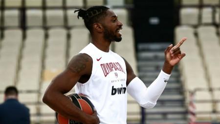«Είμαι έτοιμος να παίξω, θα δώσω τα πάντα για να κερδίσει η ομάδα μου»
