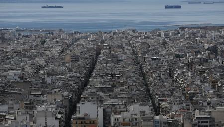 Κορονοϊός: Έρημη πόλη η Αθήνα από ψηλά… (video)