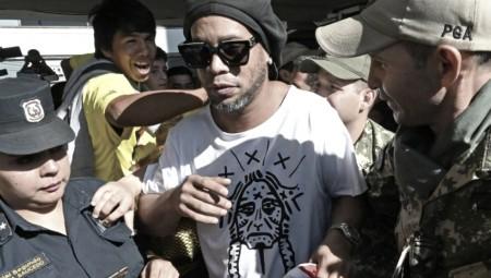 Συνελήφθη ο Ροναλντίνιο! (photos, video)