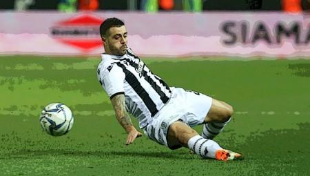 Τον ΠΑΟΚ τον έμαθε... Ότι το ποδόσφαιρο παίζεται με τα πόδια;