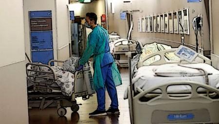 Κορονοϊός: Κατέληξε 52χρονος στο Αττικόν