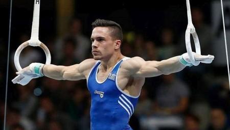 Αγκαλιά με τους Ολυμπιακούς ο Πετρούνιας!