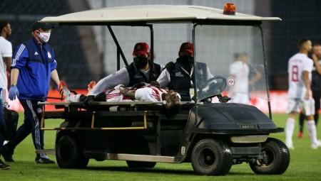Πρόβλημα με Μπα, αποχώρησε τραυματίας...