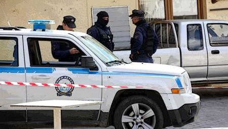 Συναγερμός στο Κερατσίνι: Εντοπίστηκε χειροβομβίδα (video)