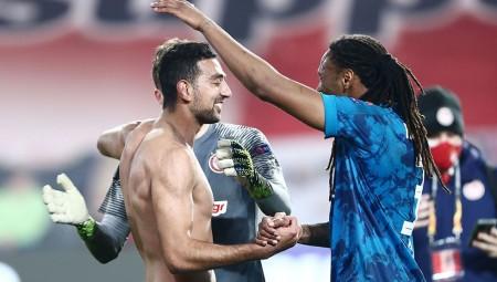 Το 'χασε ο Σεμέδο… Έχασε τον κόσμο, τη στιγμή του γκολ! (photo)