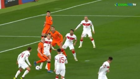 Τρομερό ματς και με έκπληξη στο Τουρκία-Ολλανδία! (videos)