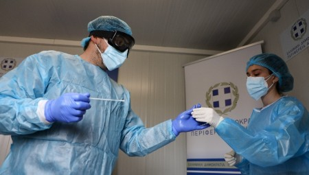 Κορονοϊός: 3.491 νέα κρούσματα και 67 θάνατοι