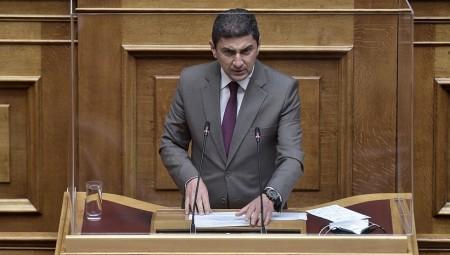 Αυγενάκης: «Ο Βασιλακόπουλος θεωρεί ότι είναι κράτος εν κράτει»