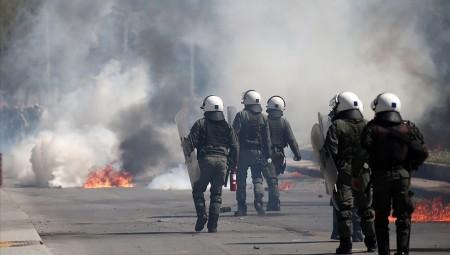 Έκτακτο Δελτίο: Επεισόδια και μολότοφ στη Θεσσαλονίκη (video / photos)