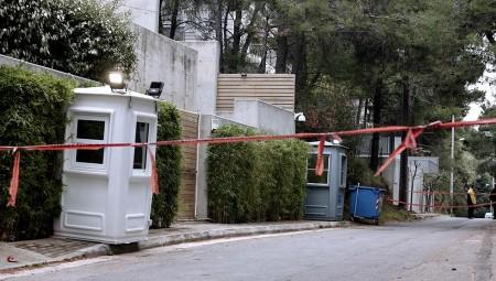 Πυροβολισμοί έξω από το σπίτι του Μένιου Φουρθιώτη (video)
