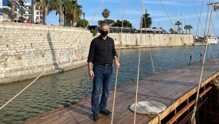 Επίσκεψη Μώραλη στην ιστορική τριήρη «Ολυμπιάς» του Πολεμικού Ναυτικού (photos)