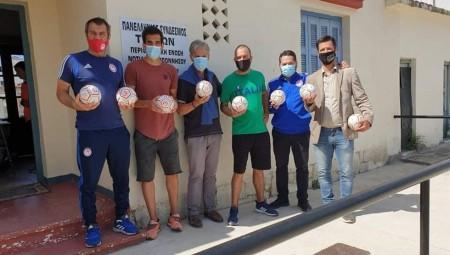 Η Ακαδημία δώρισε ειδικές μπάλες στον Πανελλήνιο Σύνδεσμο Τυφλών Καλαμάτας (photos)