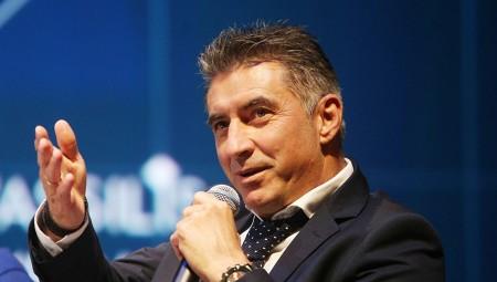 Για γέλια: Ο Ζαγοράκης δεν μπορούσε να συνδεθεί με τη Βουλή