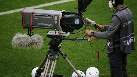 Στη Super League (κάποιοι) έχασαν την μπάλα με τα τηλεοπτικά