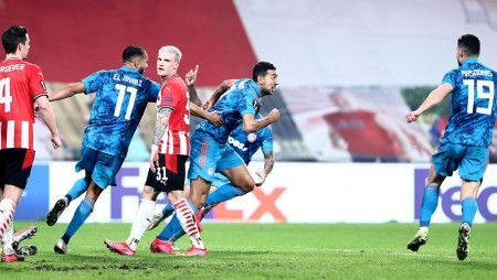 PSV: Τα ίδια έκαναν και με τον Θρύλο, αλλά δεν «μάσησε»! (videos/photo)