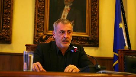 Ο Γιάννης Μώραλης ζητά την ενίσχυση της αστυνόμευσης στον Πειραιά