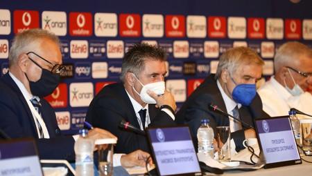 Εκτός από την Κυβέρνηση, η ΕΠΟ προκαλεί και FIFA, UEFA