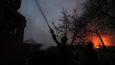 Δήμος Πειραιά: Δίπλα στους πυρόπληκτους