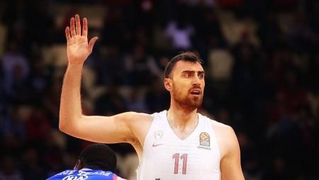 Πάλι καλά που υπάρχει η Ευρωλίγκα και βλέπουμε τον Μιλουτίνοφ!