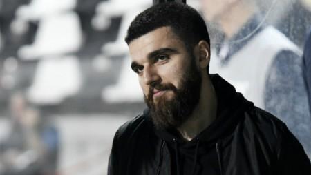 Συνεχίζει να προκαλεί ο Γιώργος Σαββίδης!