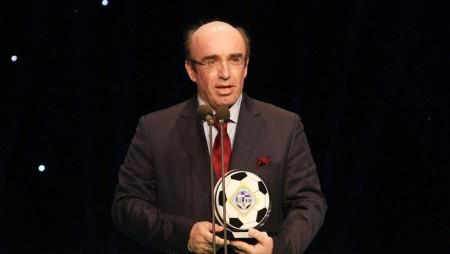 Βραβεύτηκε ο από μηχανής… Θέος του Ολυμπιακού!