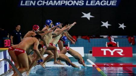 «Μάχη» πρωταθλητών Ευρώπης στον Πειραιά! (pic)