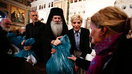 Ο Ολυμπιακός στηρίζει το έργο της Ιεράς Μητρόπολης Πειραιώς (vid)