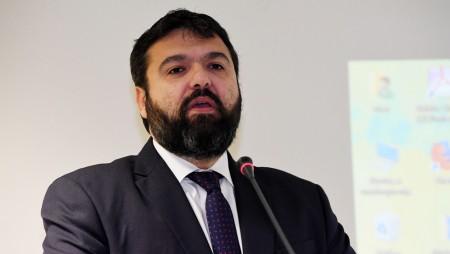Υπουργέ, ο Γιαννακόπουλος σας λέει «μπουρδέλο», ακούσατε κάτι;